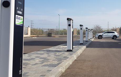 עיריית חולון תציב עשרות עמדות לטעינת כלי רכב