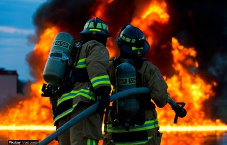 ילד נלכד בשרפה בבית