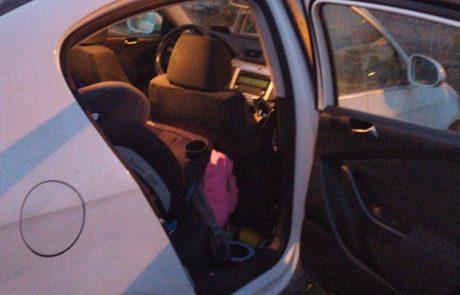 כמעט אסון: פעוט ננעל בשגגה ברכב