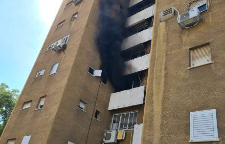 שרפת ענק בדירה בחולון