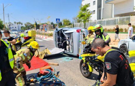 לוחמי האש חילצו לכודה מרכב